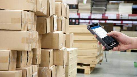Android PDA at warehouse