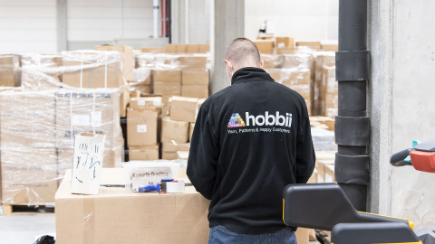 Hobbii warehouse worker