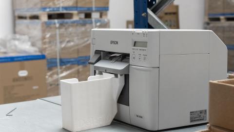 Labelprinter med skuffesystem